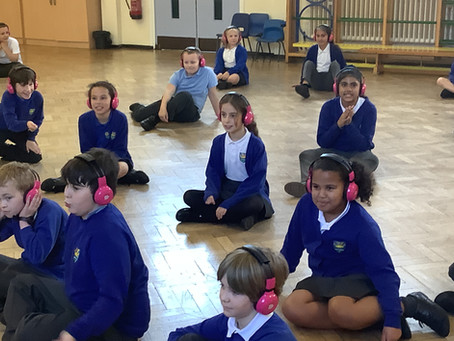5DS immerse themselves in a Victorian experience