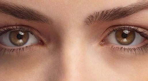 Πώς μπορείς να καταλάβεις εάν κάποιος είναι έξυπνος κοιτάζοντάς τον στα μάτια