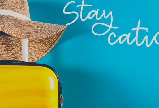 Staycation: Οι χώρες αγωνίζονται να κρατήσουν τους τουρίστες εντός συνόρων
