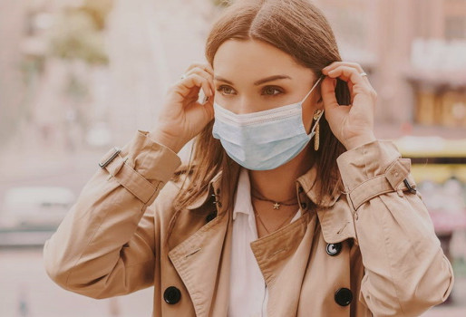 Τι προβλέπουν οι ειδικοί για την πανδημία το προσεχές φθινόπωρο και χειμώνα