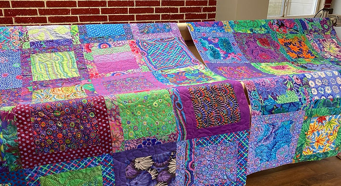 Carol's Kaffe quilts longarmed by Apple Basket Quilting