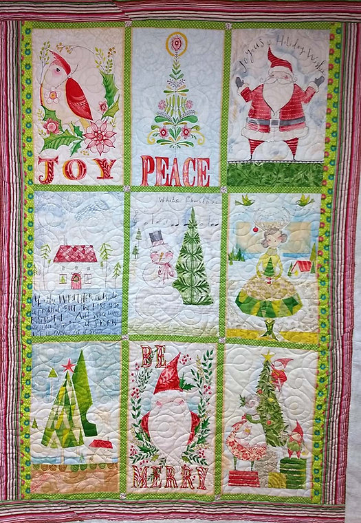 loops longarm quilting on Christmas quil