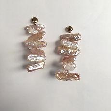 Boucles d'oreilles perles baroques.  #ha