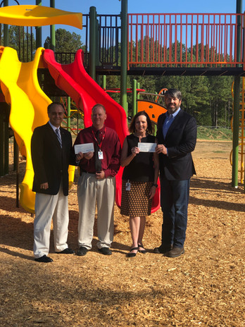 Hamilton Elementary receives NWRC & D check