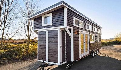 mini-maison-sur-roue-brune-jolie.jpg