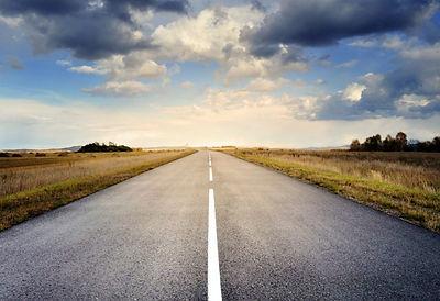 road-220058_1280-768x527.jpg