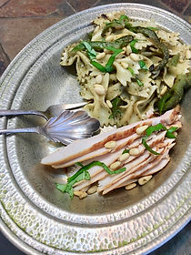 Chicken pesto with sliced chicken (1).jp