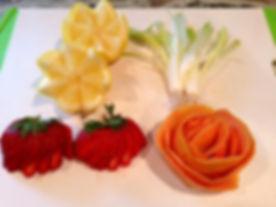 Grapefruit Rose|Lemon Wedges|Green Onion Bouquet|Strawberry Fan