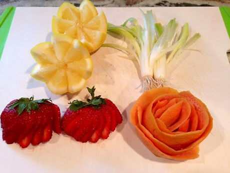 Grapefruit Rose|Lemon Wedges|Green Onion Bouquet|Strawberry Fan