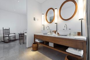 Salle de bain tendance à deux lavabos
