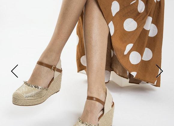 Sandales compensées tressage or
