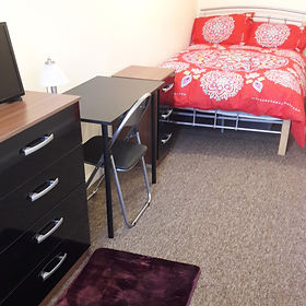 Room 1 - 148 Cricklade Road (2).jpg