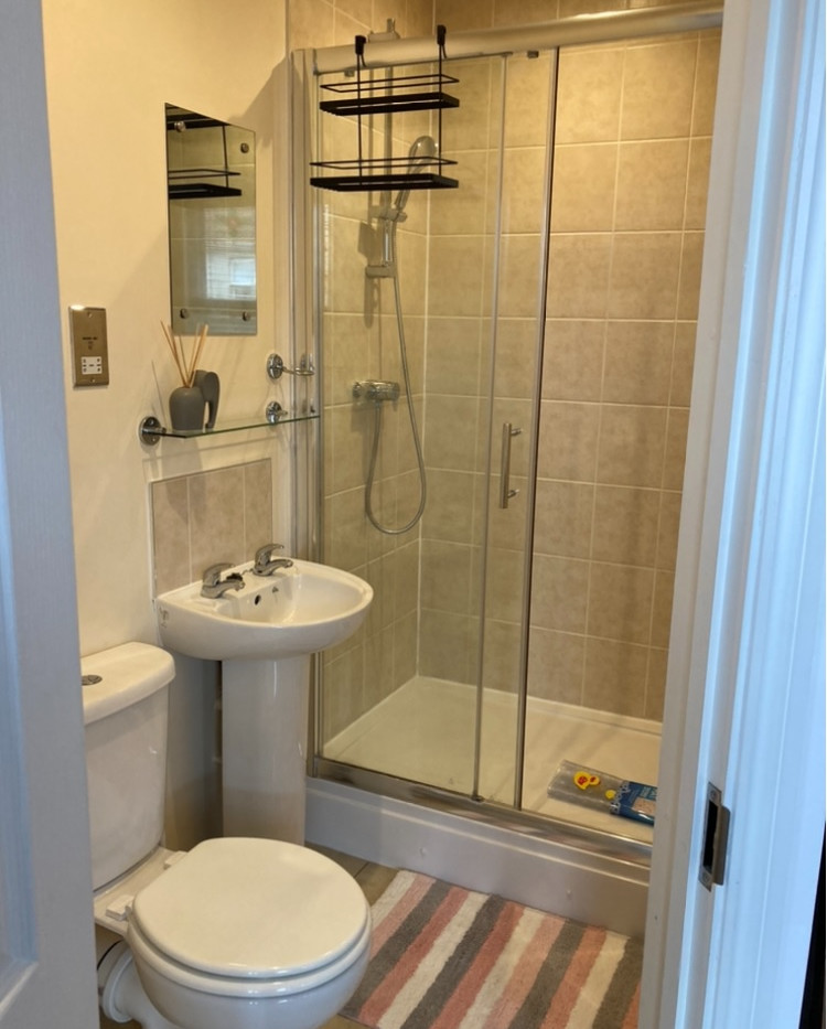 Lansdown Road - Room 4 - Ensuite 1.jpg