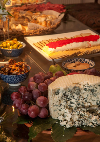 Cata Montt-Mesa queso.jpg