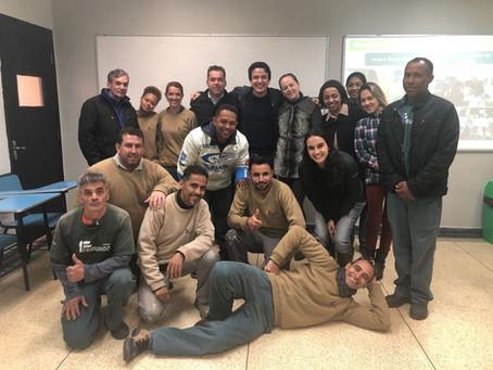 Funcionários do Colégio Friburgo recebem formação sobre sustentabilidade