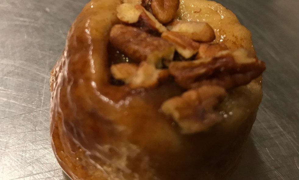 Caramel Pecan Rolls - Regular (Dozen)