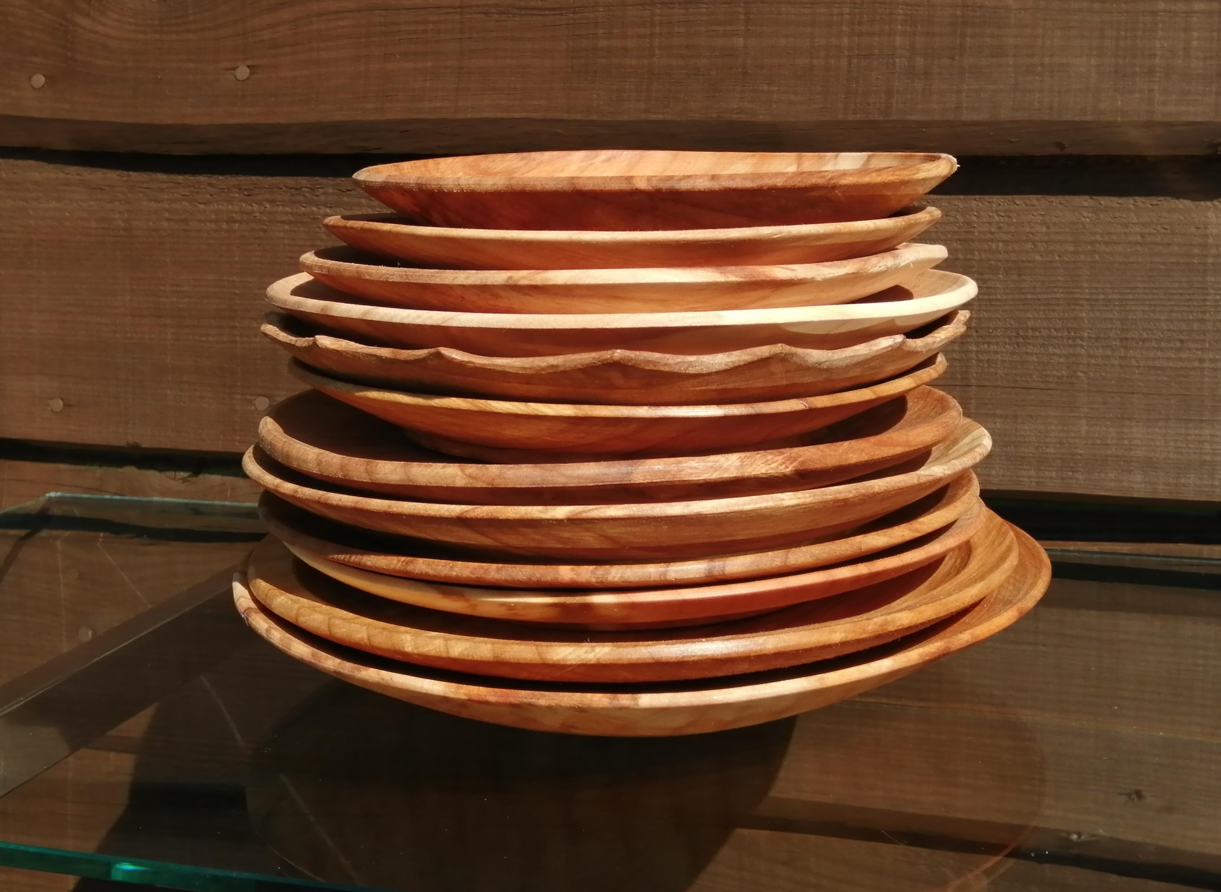 Alder plates stacked (1)
