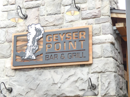 GEYSER POINT BAR & GRILL, Wilderness Lodge Dining Review