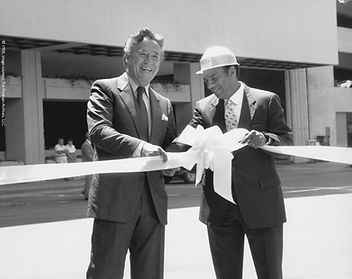 Peachtree Plaza Park, 1988, ribbon cutting, John C. Portman, Jr., Mayor Andrew Young
