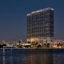 Hilton San Diego Bayfront, 2004