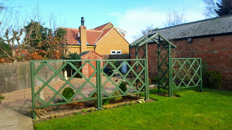 Garden Fencing and Trellis Painting
