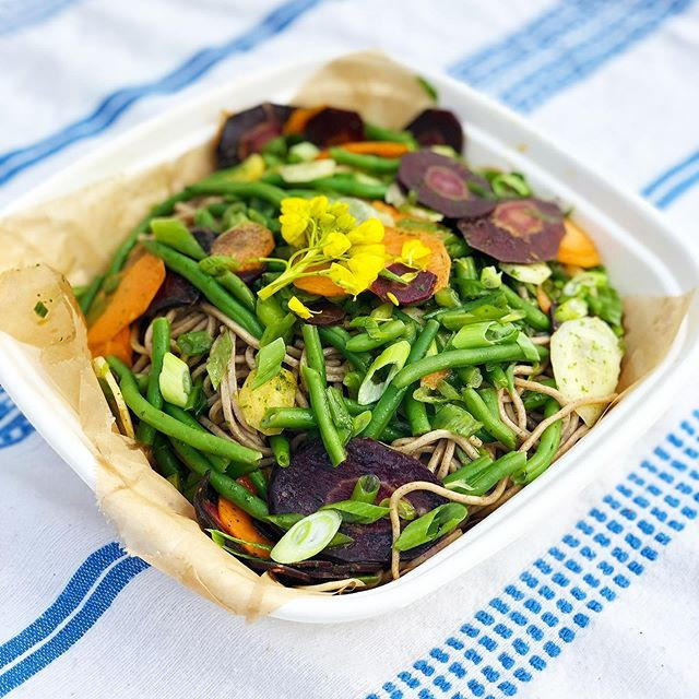 Farmer's Sesame Noodle Salad 🌿💕 #doors