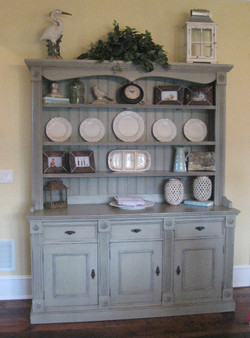 British Cottage Pine Hutch