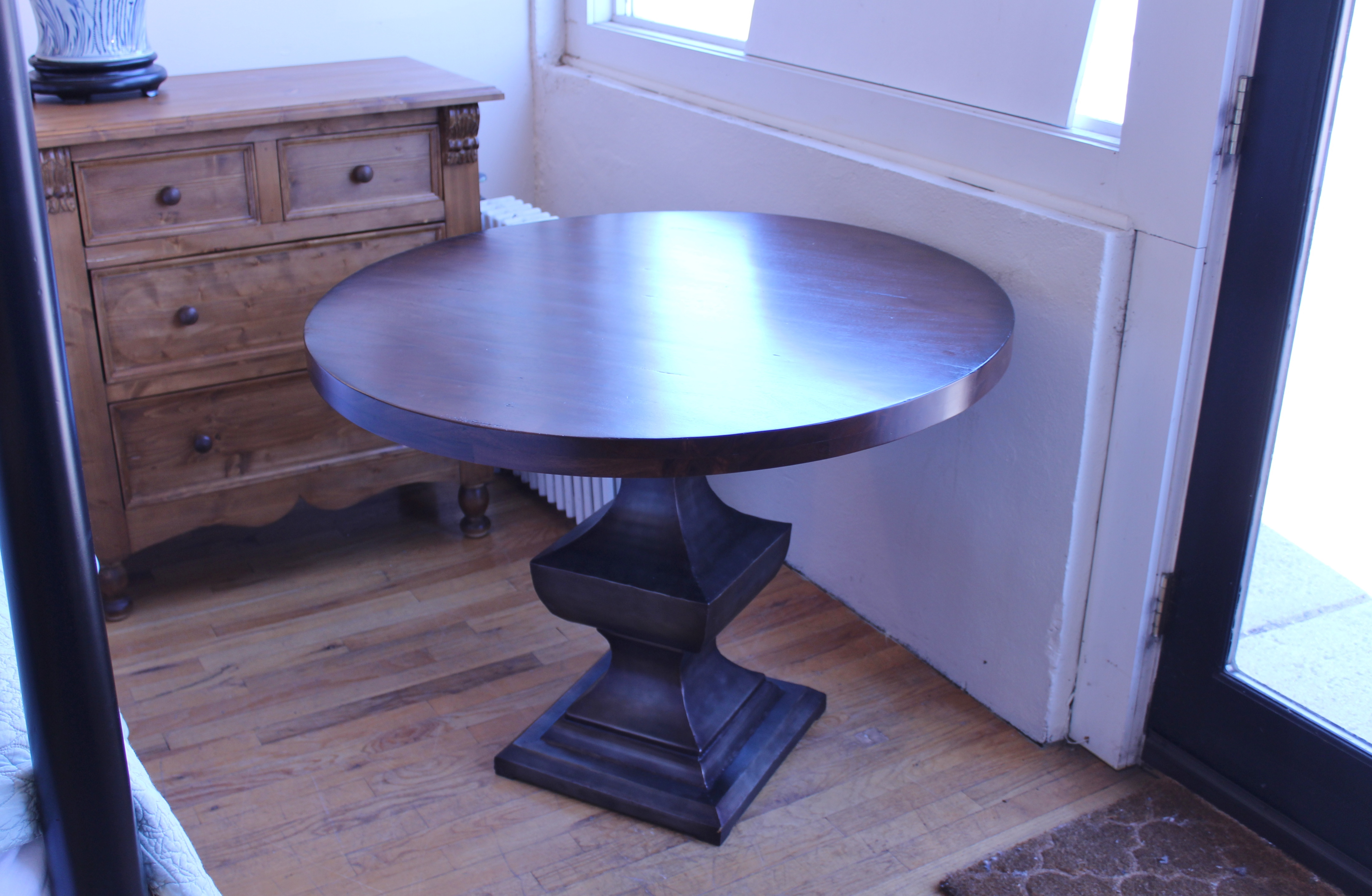 "40"" Round Table"