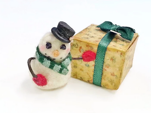 Miniature snowman 1:12 dollhouse