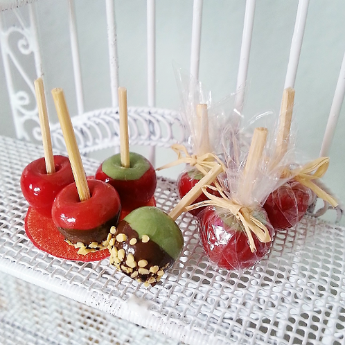 1:12 Dollhouse Halloween miniature caramelized apples