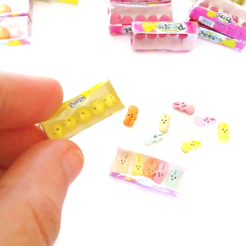 Dollhouse miniature Peeps candies scale 1:12