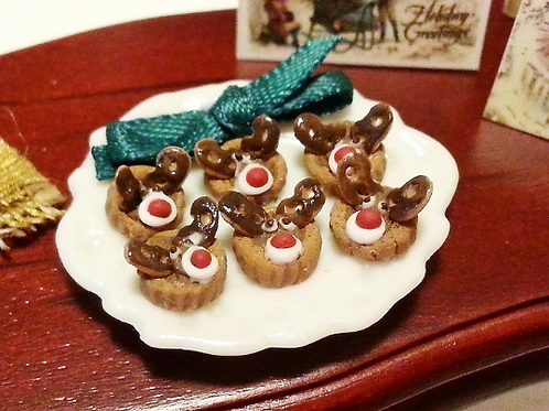 1:12 dollhouse miniature Christmas reindeer pastry