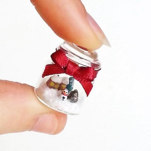 1:12 dollhouse Christmas miniature scene in jar