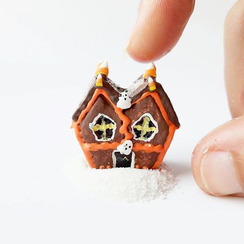 1:12 Halloween Miniature Dollhouse gingerbread house