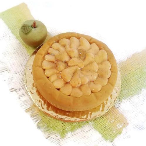 Apple pie miniature cake scale 1:12