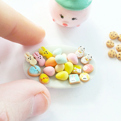 Dollhouse 1:12 miniature Easter cookies selection