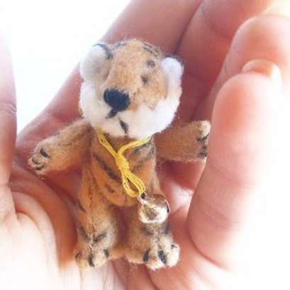 Miniature dollhouse felted tiger toy