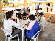 ダイビング後のフィリピン料理ランチ