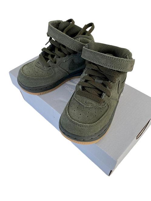 Sneakers - Nike - 22 (61.14)