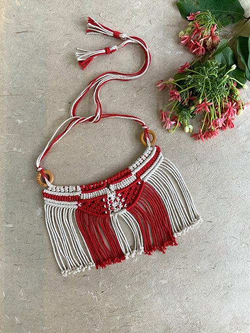 All about Knots - Masai Choker Red