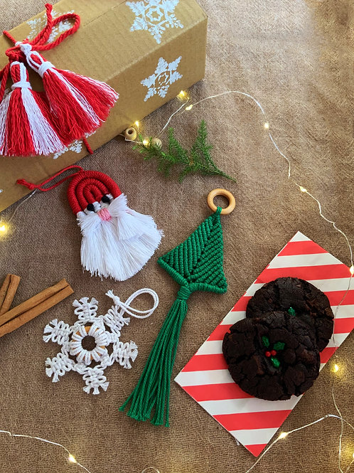 Christmas Ornaments & Cookies (Box of 3 ornaments & 2 cookies)