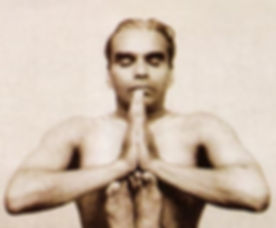 bks-iyengar-yoga_ujwwbh.jpg