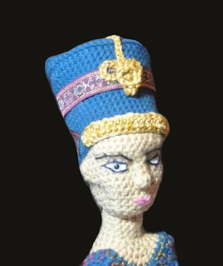 Nefertiti front rt_edited_edited.jpg