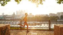 МОСКВА БЕЖИТ! Самая популярная серия забегов Московского марафона начинает свой бег...