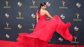 Emmys16.png