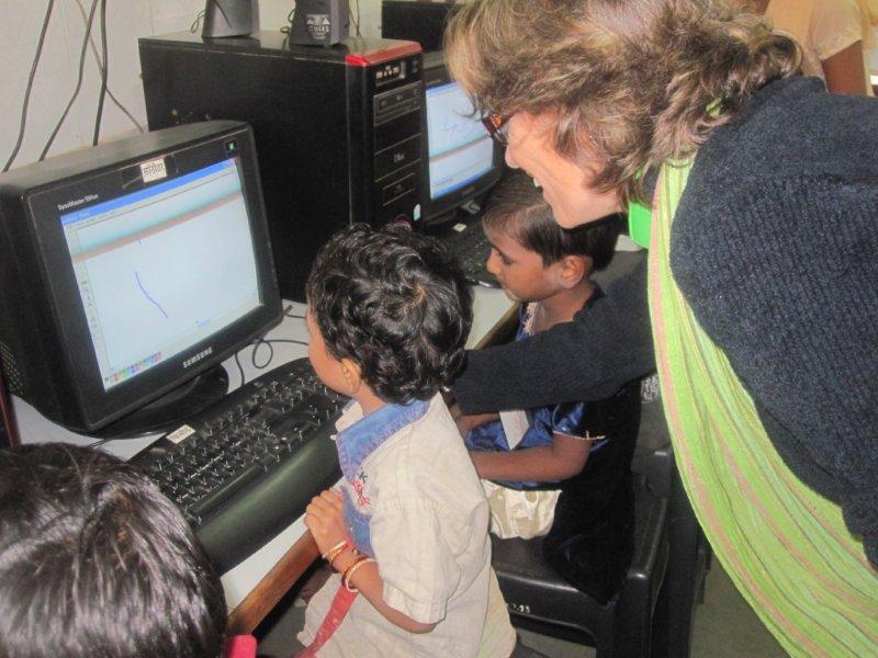 INDIEN: Schulbildung für Straßenkinder