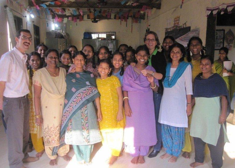 INDIEN: Schulbildung für Straßenmädchen
