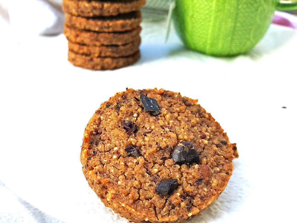 Healthy vegan cookie quinoa