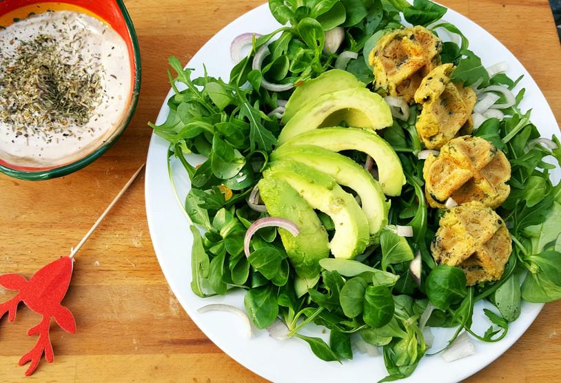 La Salade Avocat, Mes Mini-Gaufres aux Olives et The Sauce