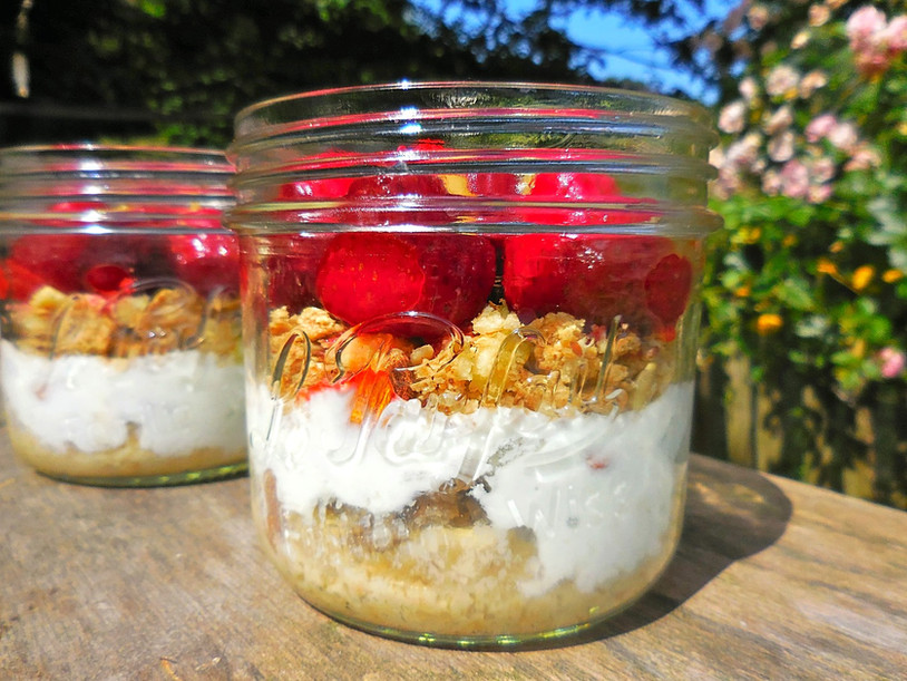 Parfait Fraise style Mason Jar { Dessert Healthy & Vegan }